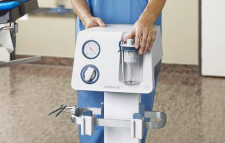 Medela surgical suction Basic in use